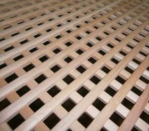 деревянная решетка на батарею из бука