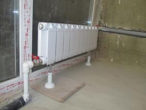 биметаллический напольный радиатор