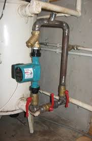 установленный насос для отопления