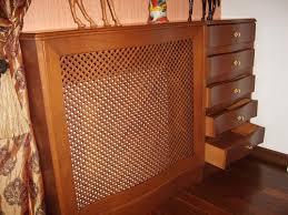 деревянная решетка на батарею