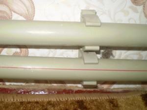 крепление полипропиленовой трубы к стене