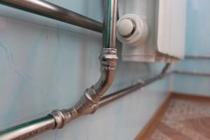 металлическаие трубы отопления в частном доме