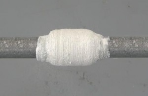 устранение течи цементом и бинтом