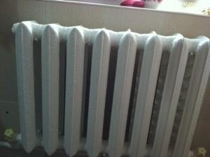 чугунный радиатор отопления в частном доме