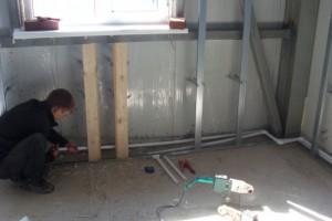 монтаж пластиковых труб для отопления