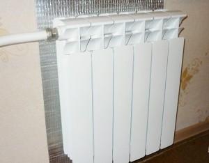 отражающий экран за радиатором