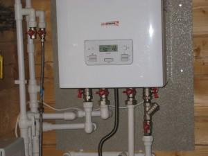 двухконтурный настенный газовый котел в доме