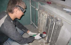 срезание батареи отопления болгаркой