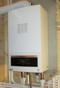 установленный газовый котел buderus logamax u072 24k