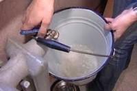 слив воды из чугунной батареи отопления