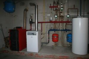 газовый и твердотопливный котлы в одной системе отопления