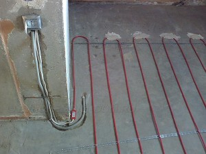 укладка электрического пола поверх стяжки