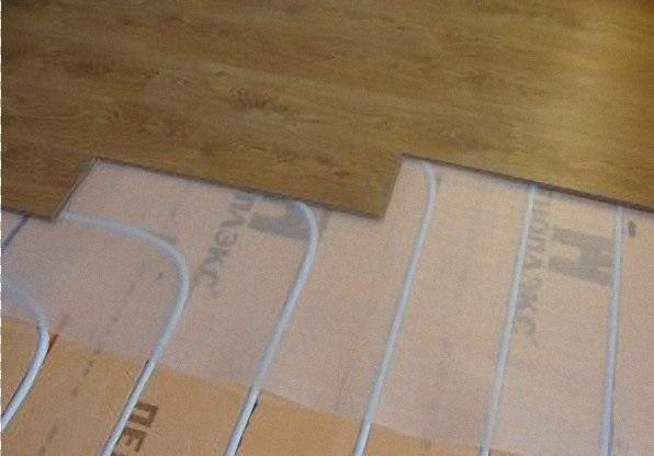 Как правильно сделать теплый пол под ламинат
