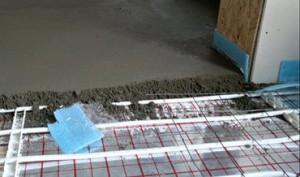 водяной теплый пол под стяжкой